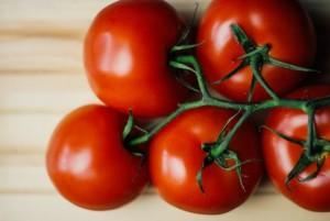 food-wood-tomatoes-medium