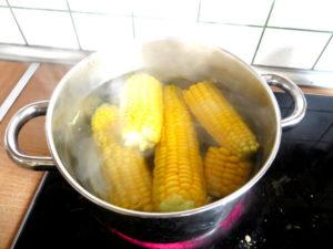 jak gotować kukurydze