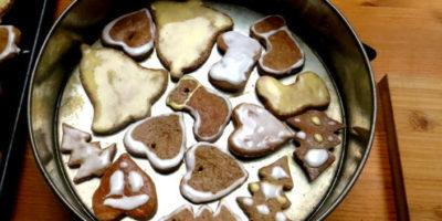 przepis świąteczne pierniczki i lukier